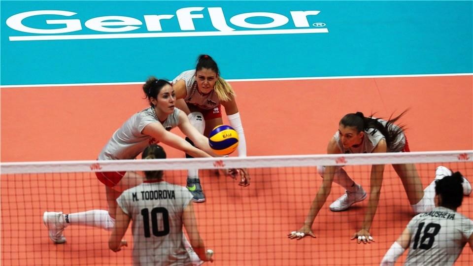 Разпределителката и капитанка на женския ни национален волейболен отбор Лора