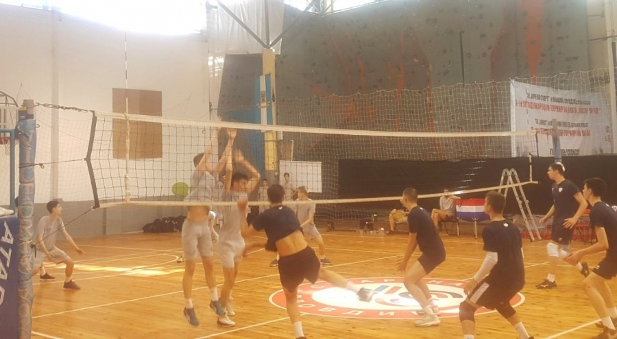 Два отбора на Виктория Волей (Пловдив) изиграха днес контроли срещу