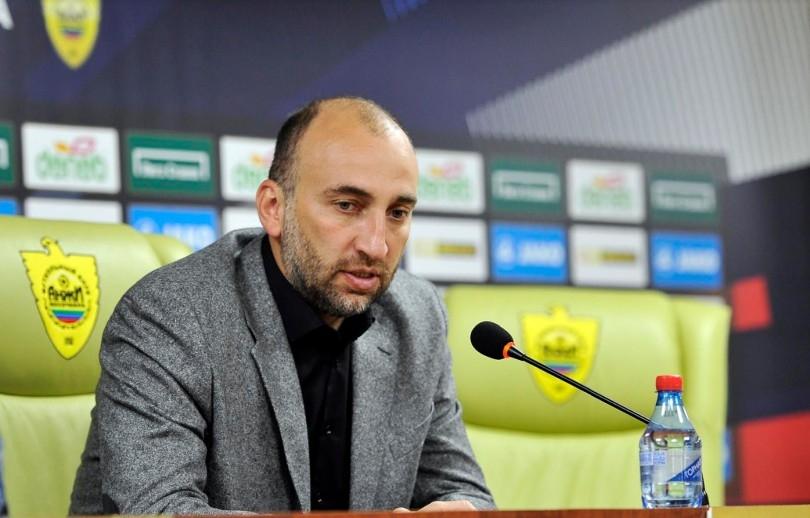 Магомед Адиев ще напусне поста старши треньор на руския футболен