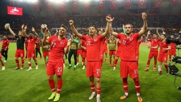 Турция изрази възмущението си от посрещането на националния отбор на