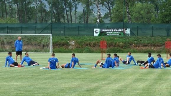 Отборът на Левски тренира двуразово и в третия ден след