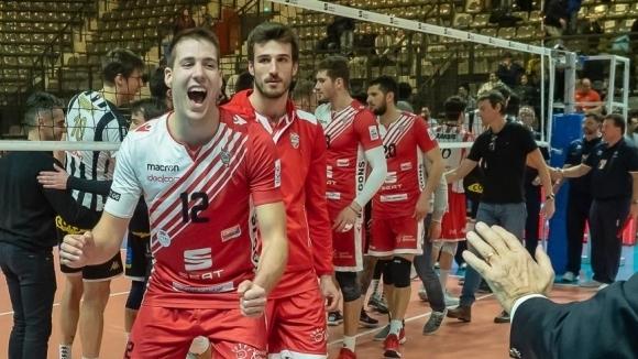 Българският волейболист Мартин Мечкаров подсили шампиона на Чехия Ижхострой (Чешке