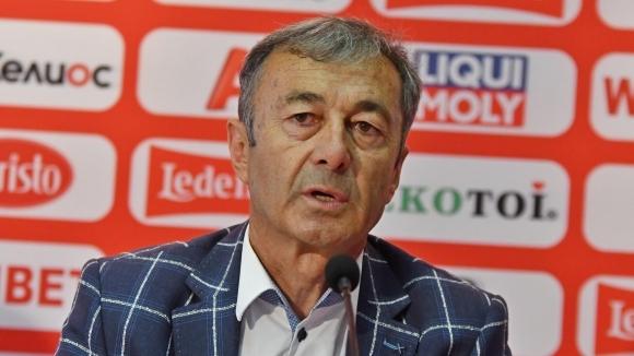 Пламен Марков, последният треньор, класирал България на голямо първенство, гостува