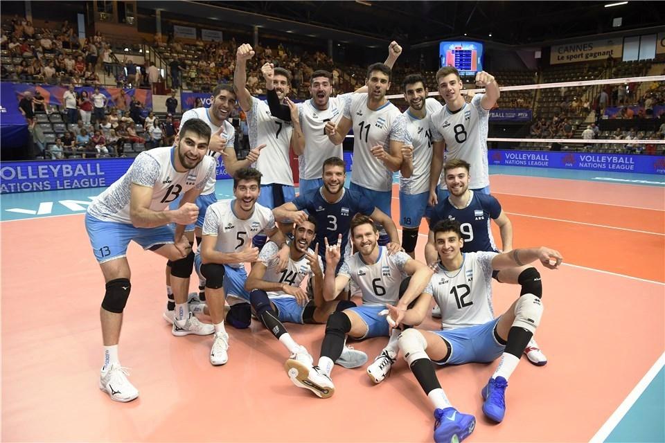 Националният волейболен отбор на Аржентина постигна драматична втора поредна и