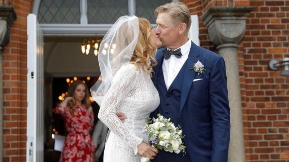 Легендарният датски вратар Петер Шмайхел се ожени за втори път.