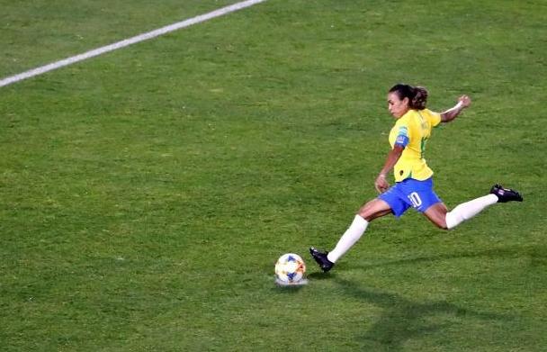 Бразилската футболистка Марта стана реализатор №1 на световни първенства, като