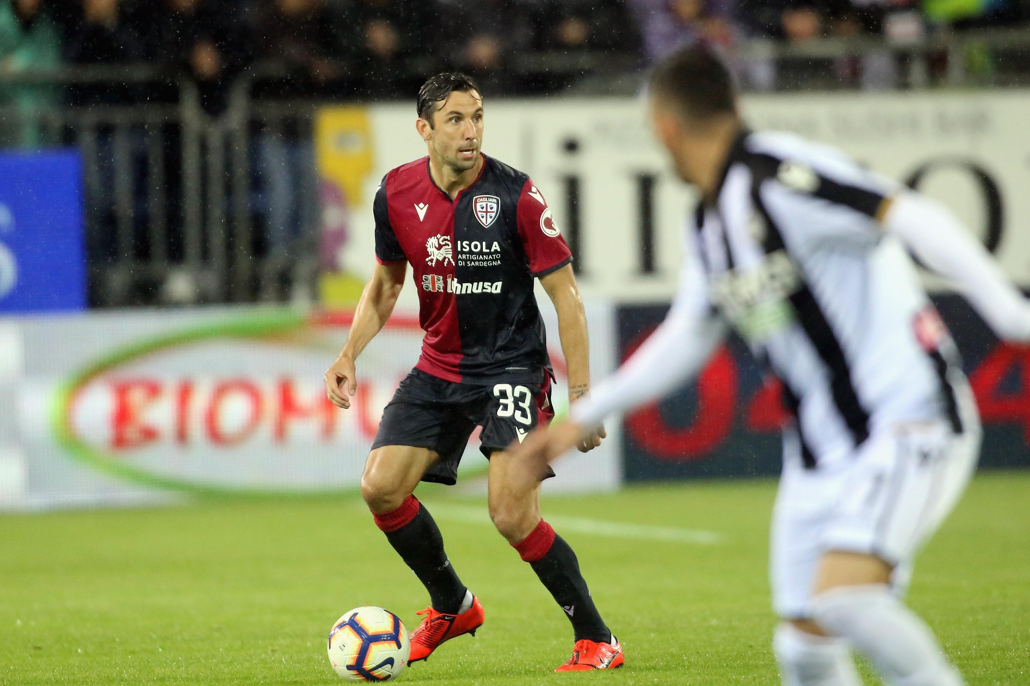 Защитникът на Каляри Дарио Сърна напуска отбора след края на