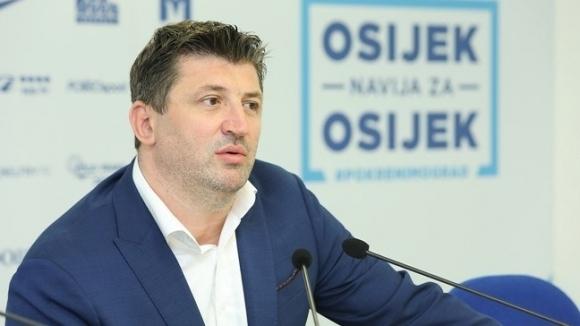 Спортният директор на Осиек Ален Петрович обяви, че ЦСКА-София е