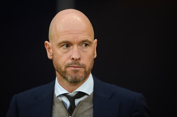 Старши треньорът на Аякс Ерик тен Хаг подписа нов договор