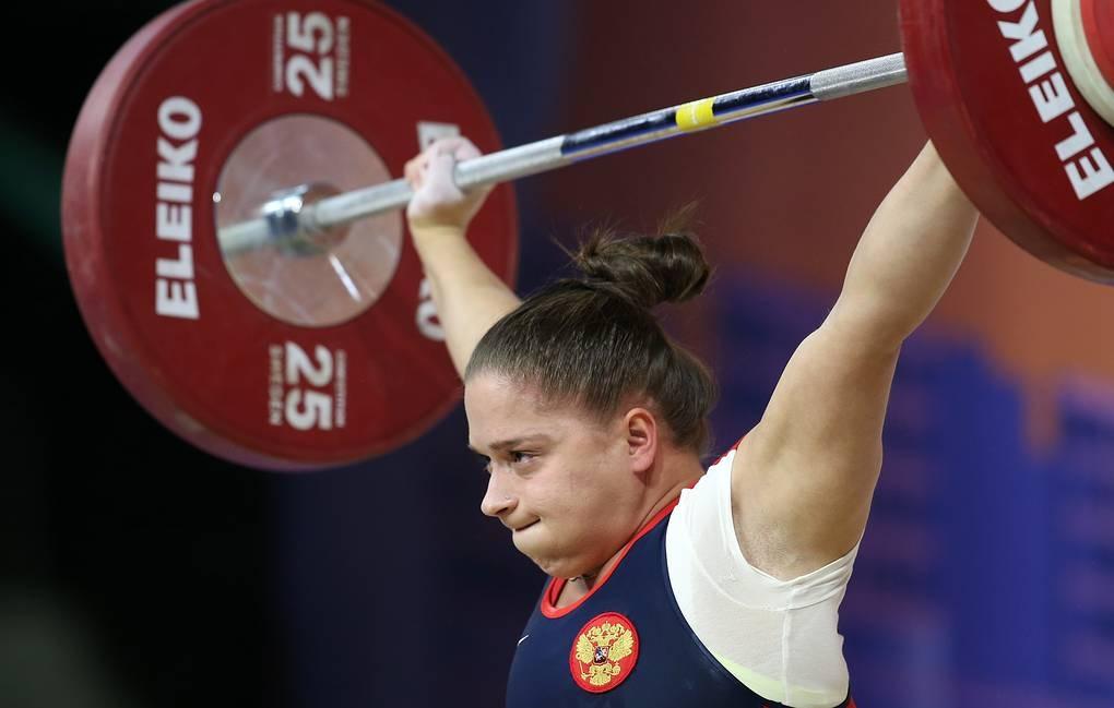 Руската състезателка по вдигане на тежести в категория до 63