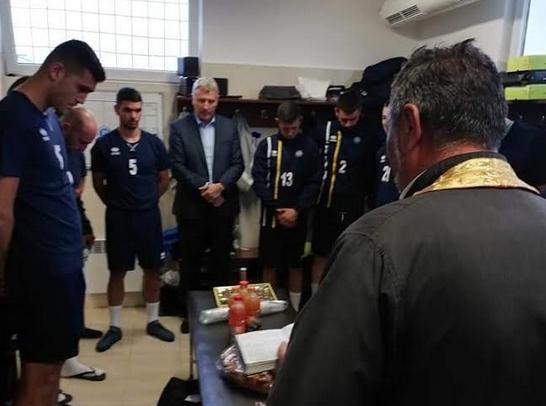 18 футболисти изведена първа тренировка наставникът на Пирин Разлог Христо