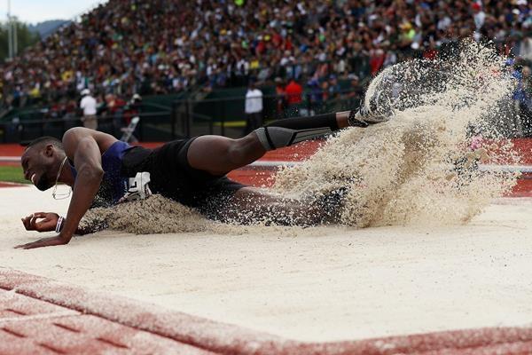 Двукратният световен шампион в зала в тройния скок (Истанбул 2012