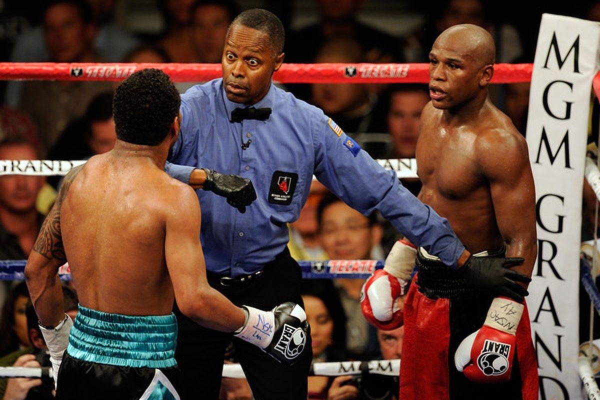 Снимка: Тестват боксовите съдии за наркотици