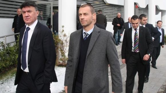 Президентът Борислав Михайлов и ръководството на Българския футболен съюз пожелават