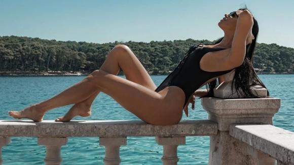 Хърватската красавица Ивана Кнол отново напомни за себе си със