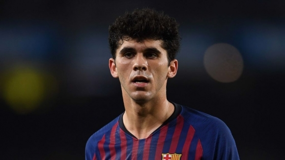 Талантливият полузащитник на Барселона Карлес Аленя си избра нов номер,