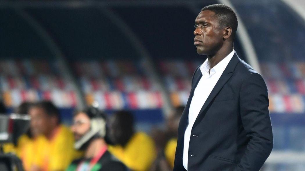Министърът на спорта на Камерун Нарсис Комби поиска Кларънс Зеедоорф