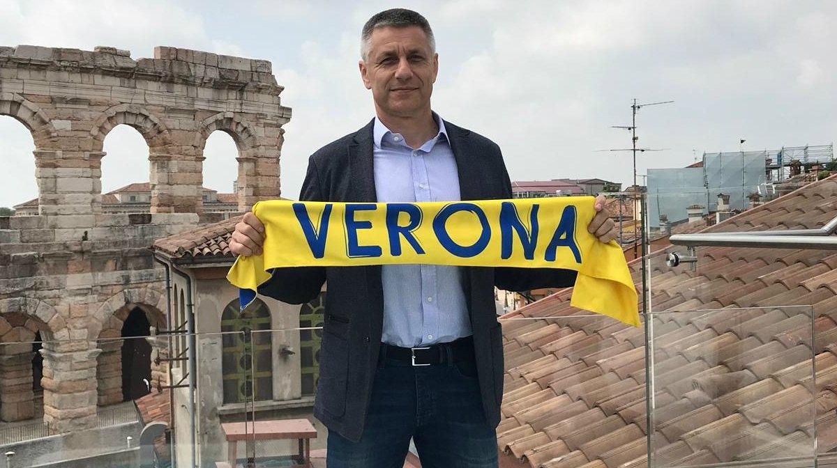 Българският старши треньор на Калцедония (Верона) Радостин Стойчев направи два
