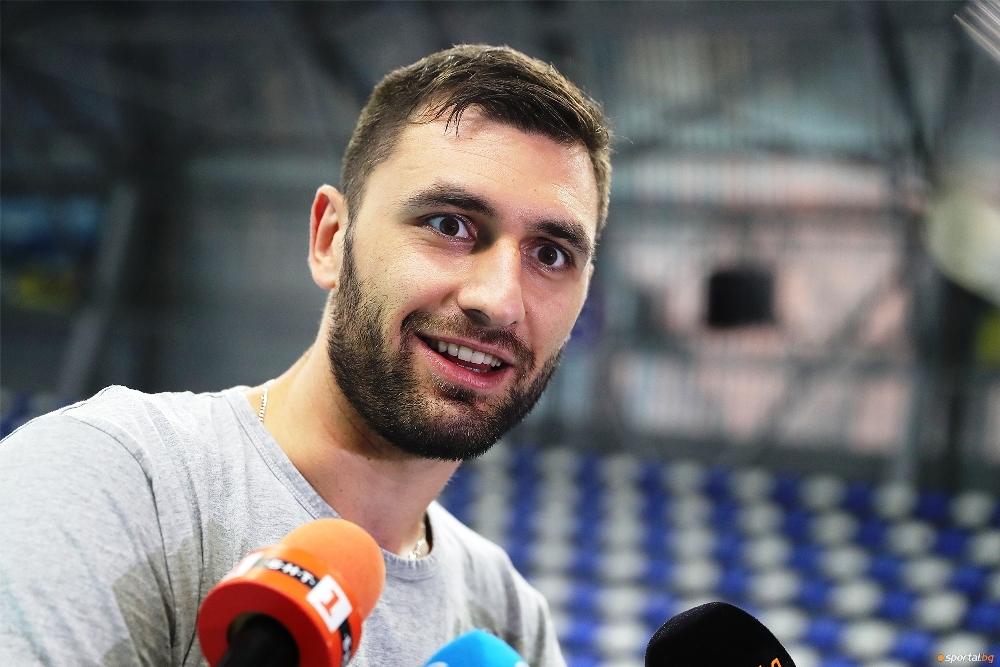 Диагоналът на националния ни волейболен отбор Цветан Соколов сподели преди