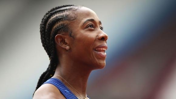 Двукратната олимпийска шампионка в леката атлетика Шели-Ан Фрейзър-Прайс спечели състезанието