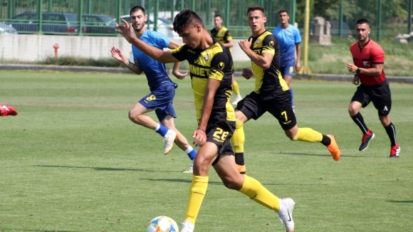 Ботев (Пловдив) се наложи с 3:1 над Марица (Пловдив) в