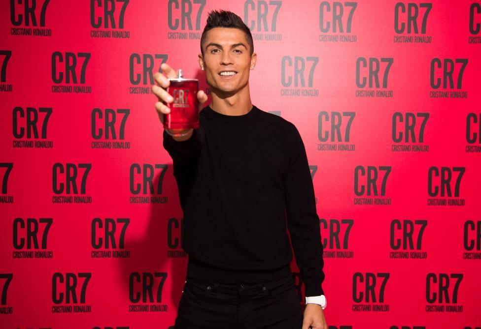 Мегазвездата на Ювентус Кристиано Роналдо печели най-много в света на
