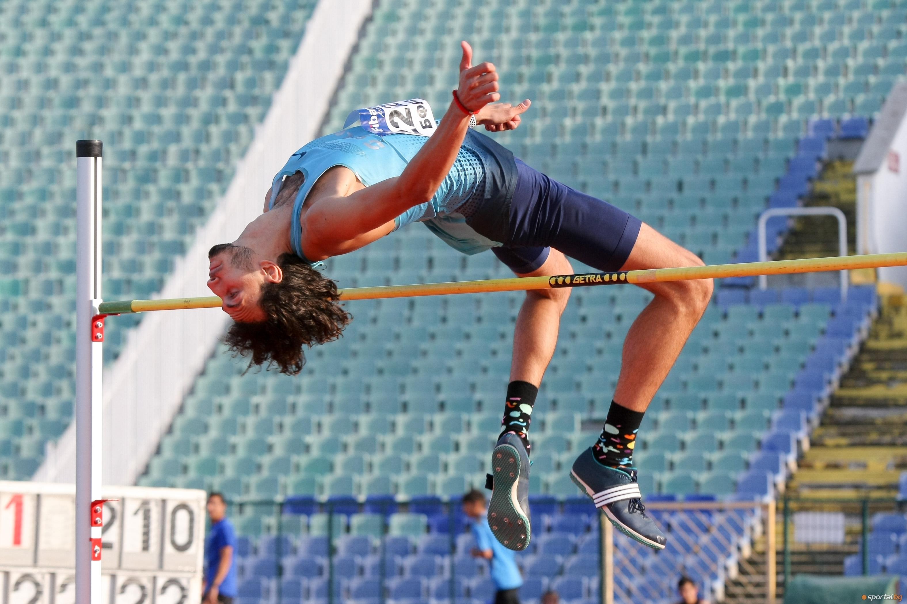 Световният студентски шампион в скока на височина за 2019 година