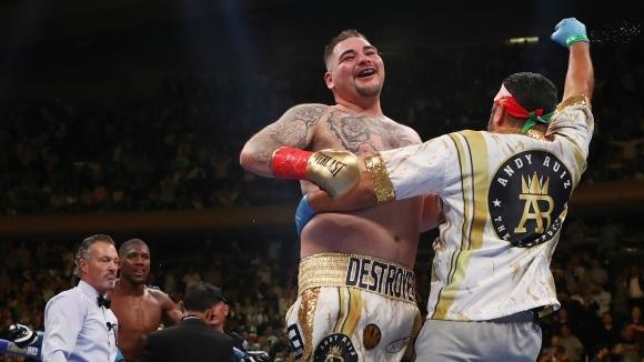 Изненадващият шампион на три от четирите боксови федерации в тежка