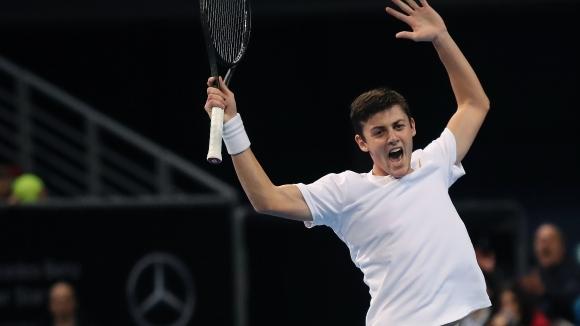 Българинът Александър Лазаров се класира за полуфиналите на турнира по