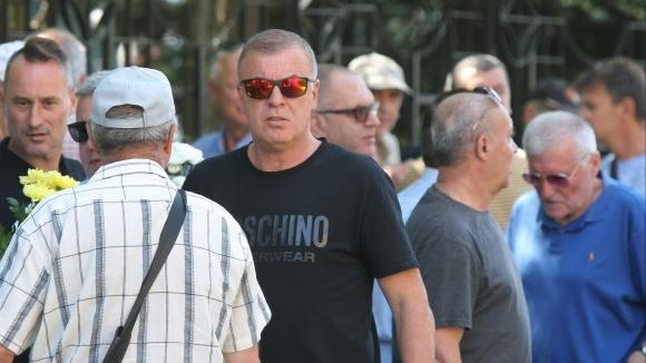 Легендарният голмайстор на Левски Наско Сираков дойде на поклонението пред
