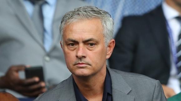 Бившият мениджър на Челси Жозе Моуриньо беше помолен да даде