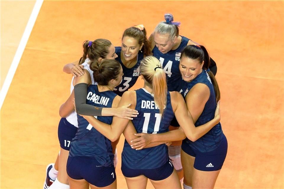 Победителките във Волейболната Лига на нациите за жени от САЩ
