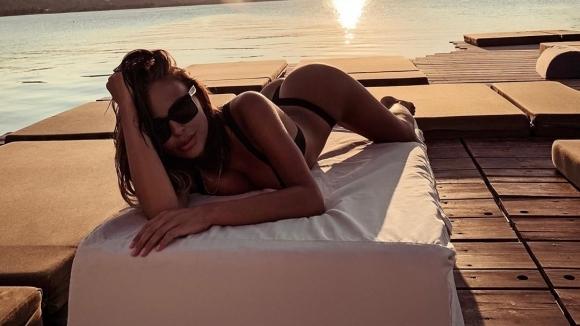 Плеймейтката Николета Лозанова изкара кратка ваканция в Гърция и отново
