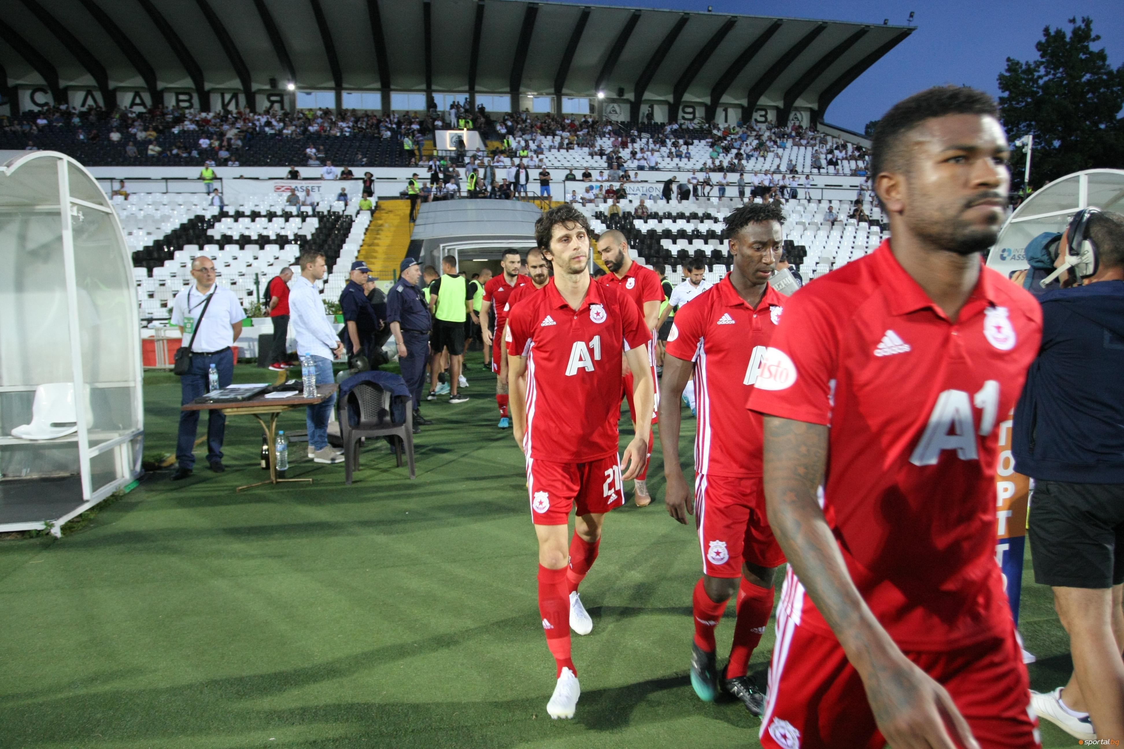 Швейцарска съдийска бригада ще ръководи първия мач от третия квалификационен