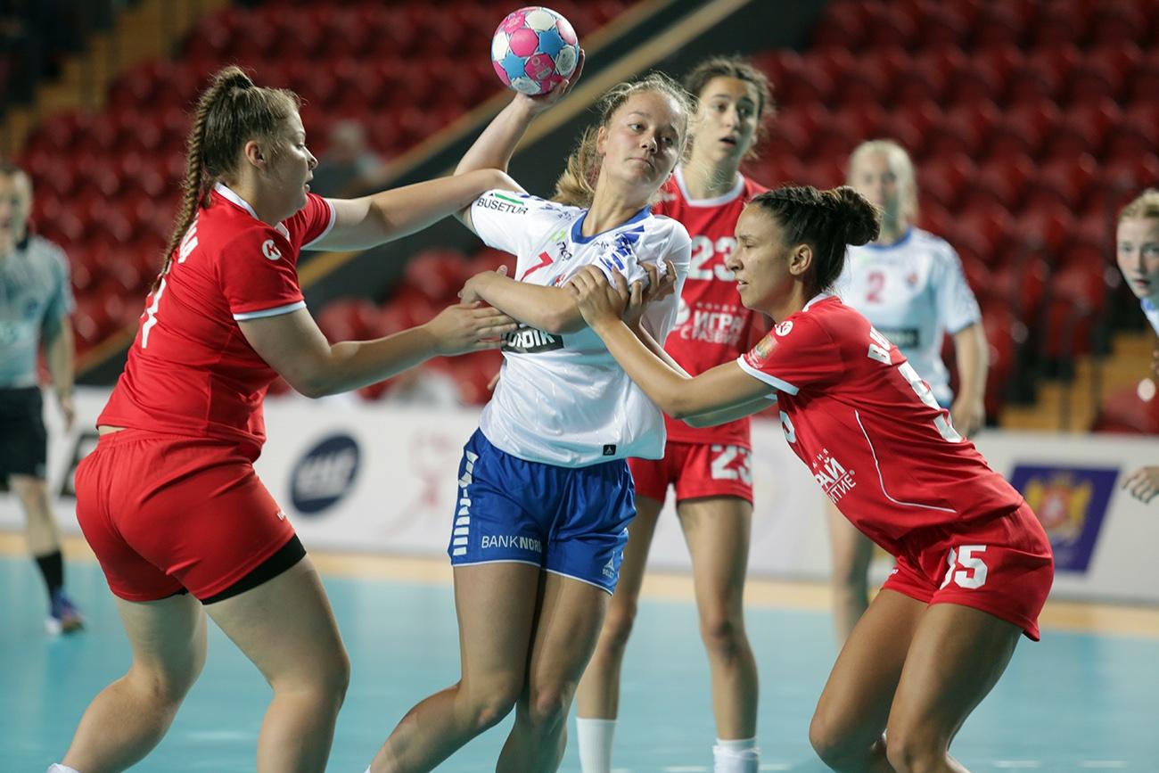 Националният хандбален отбор на България за девойки до 17 години