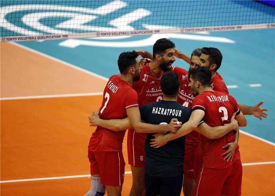 Националният волейболен отбор на Иран започна с много измъчена победа