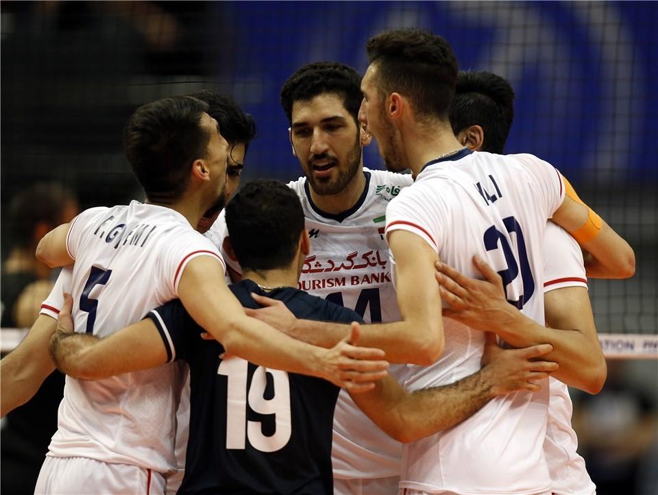 Националният волейболен отбор на Иран е на крачка от класиране