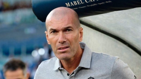 Наставникът на Реал Мадрид Зинедин Зидан е на ръба да