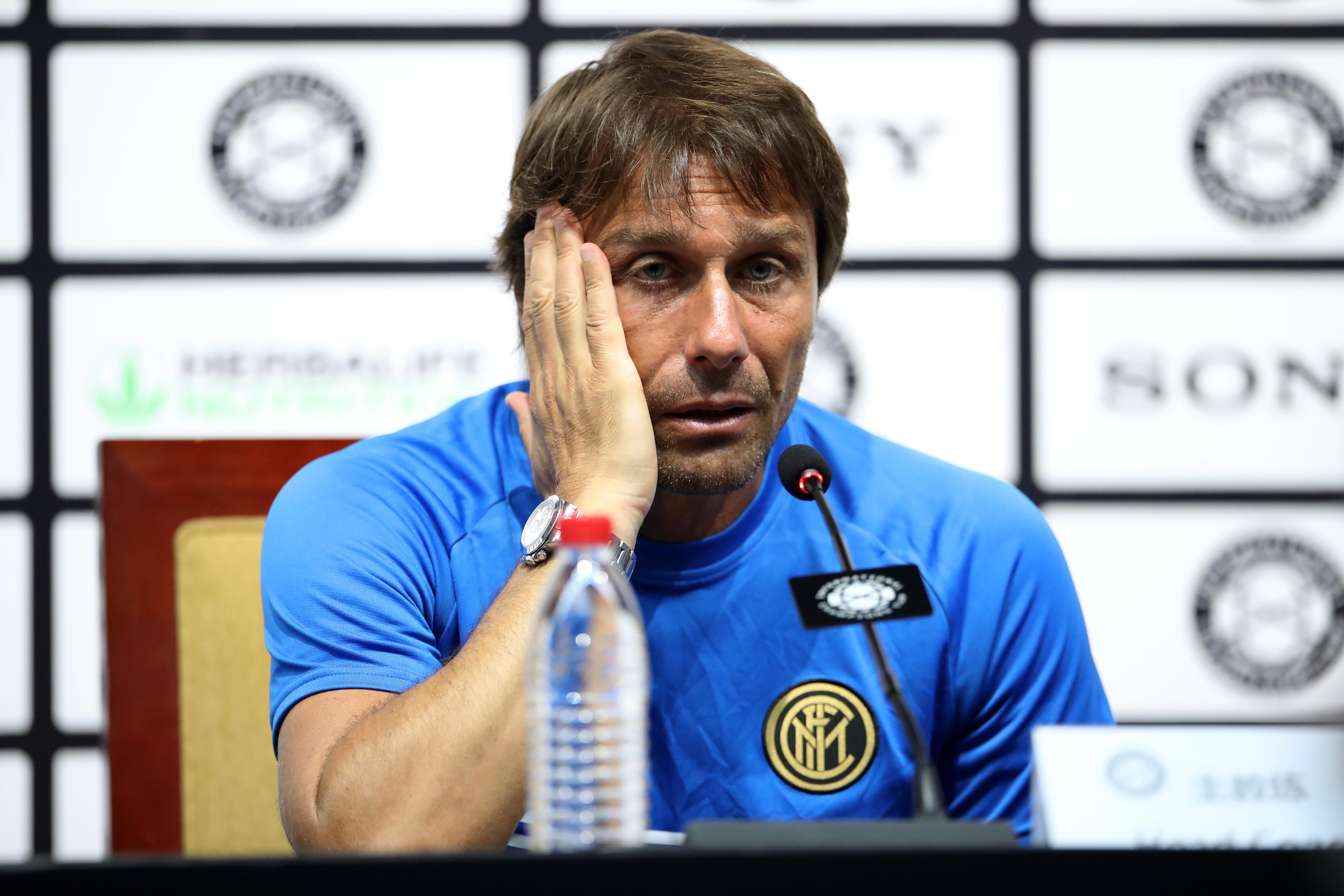 Интер продължава да има проблеми със селекцията. Антонио Конте имаше