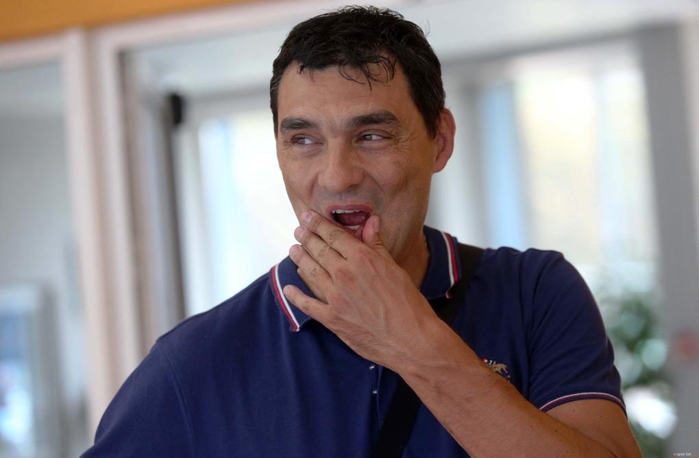 Владимир Николов подкрепи мъжкия ни национален волейболен отбор след загубената