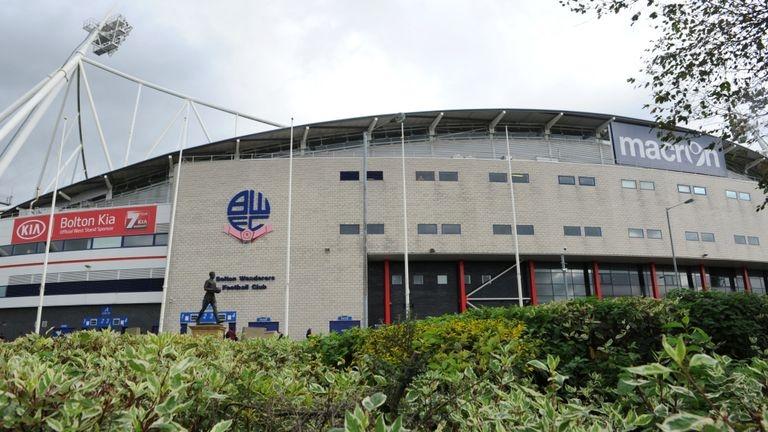 Снимка: Кризата в Болтън наложи отлагане на мача с Донкастър