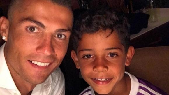 Синът на Кристиано Роналдо не можел да повярва къде е