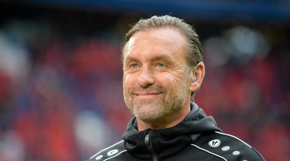 Старши треньор на АПОЕЛ Никозия Томас Дол похвали футболистите след