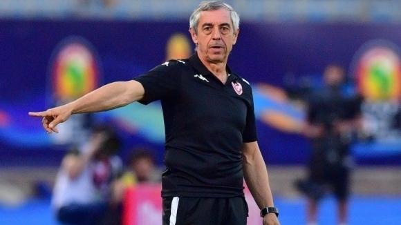 Френската футболна легенда Ален Жирес напусна поста треньор на националния