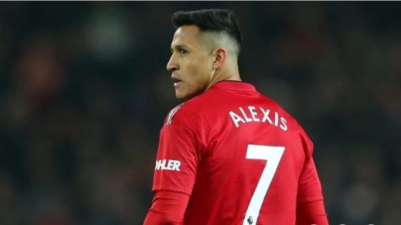 Нападателят на Манчестър Юнайтед Алексис Санчес все още може да