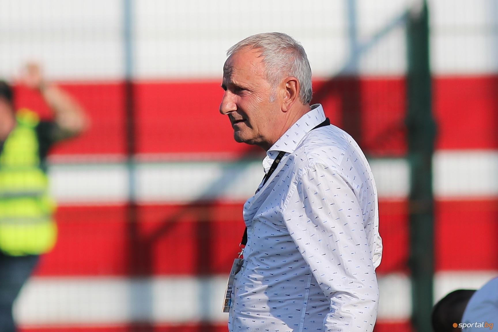 Наставникът на Царско село Никола Спасов поздрави своите играчи за