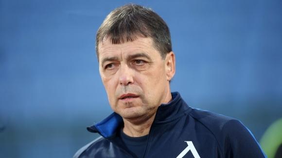 Група от 19 футболисти определи старши треньорът на Левски Петър