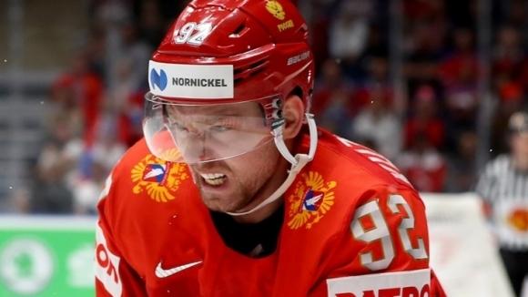 Мегазвездата на световния хокей Евгений Кузнецов, който играе във Вашингтон