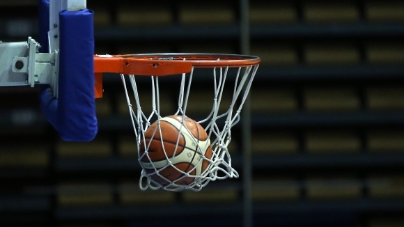 Баскетболистът Цветослав Острев продължава със Спартак - Плевен в новия