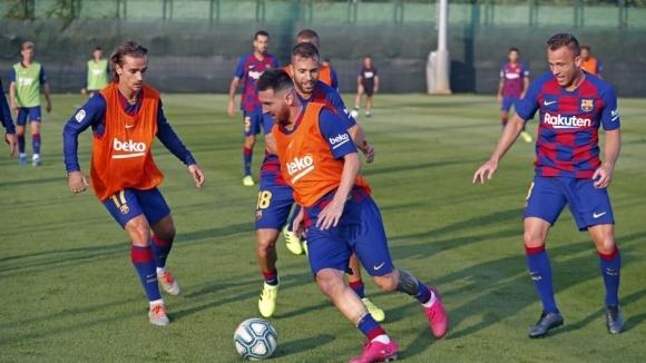 Капитанът на Барселона Лионел Меси няма да играе и в